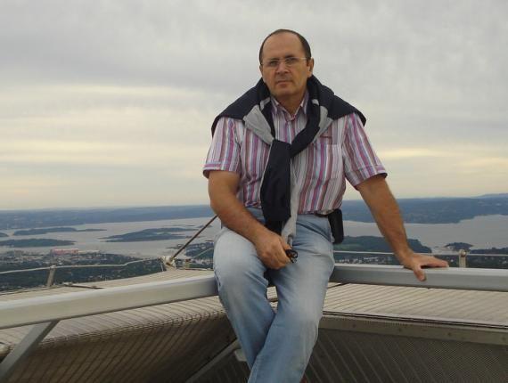 На схваченного  правозащитника пробуют  повлиять , угрожая его родственникам— Чечня
