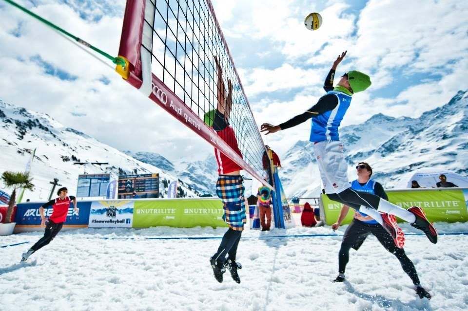 Подмосковные спортсменки взяли золото чемпионата Российской Федерации поволейболу наснегу