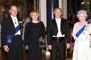 Людмила Путина и Владимир Путин на встрече с английской королевской четой ©kaiwind.com