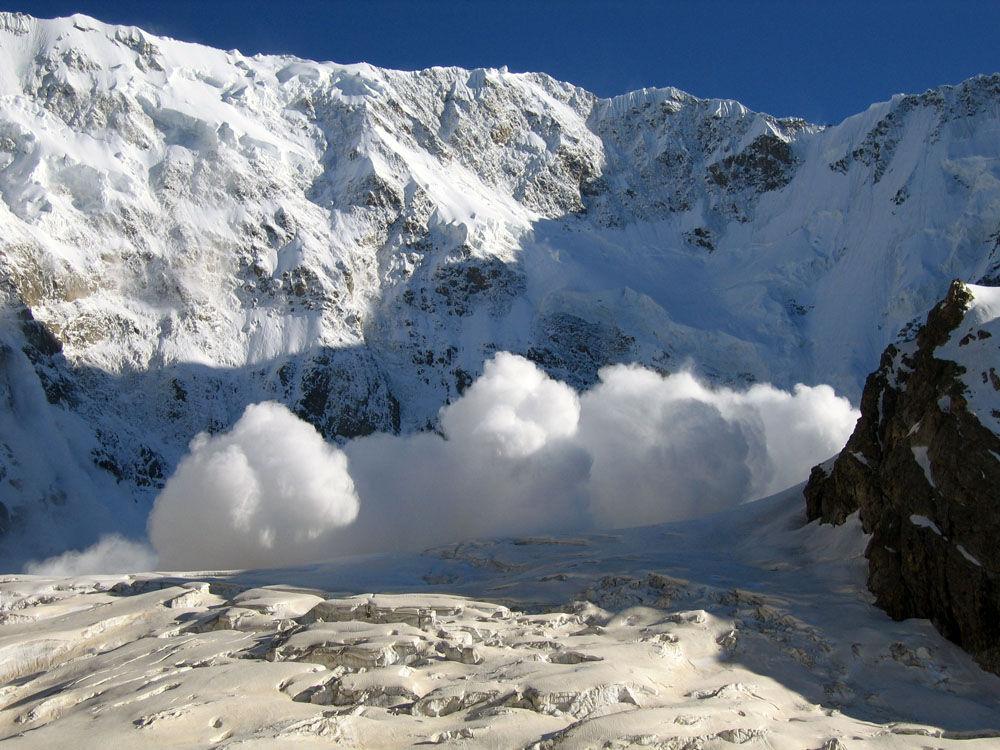 Вгорах Краснодарского края сохраняется вероятность схода лавин