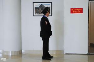 Полицейские в медиацентре, как и везде, фотографироваться не любят ©Елена Синеок, ЮГА.ру