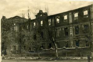 Здание мединститута, разрушенное в годы ВОВ ©Фото предоставлено пресс-службой КубГМУ