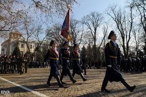 Церемония вручения знамени УФСИН по Краснодарскому краю ©Елена Синеок. ЮГА.ру
