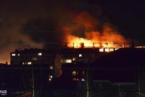 Пожар в 6-этажном жилом доме на ул. Концевича, 4 ©Андрей Ильинов, ЮГА.ру
