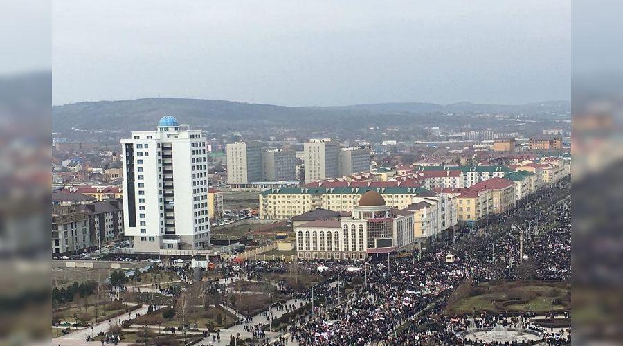 Митинг против либералов и в поддержку Кадырова в Грозном ©Фото varlamov.ru