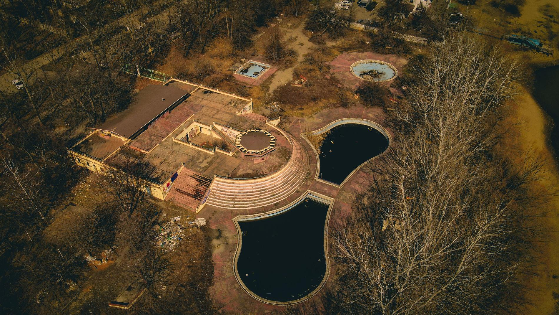Заброшенный аквапарк «Аквалэнд» на Затоне ©Фото предоставлено порталу Юга.ру Евгением Геруновым