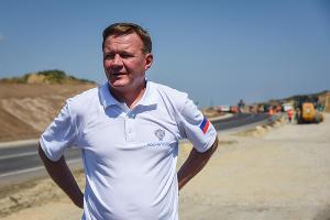 Строительство участка дороги от трассы М-25 Новороссийск - Керченский пролив ©Елена Синеок, ЮГА.ру