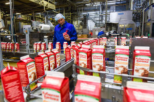 Цех по производству ряженки на Тимашевском молочном комбинате ©Елена Синеок, Юга.ру