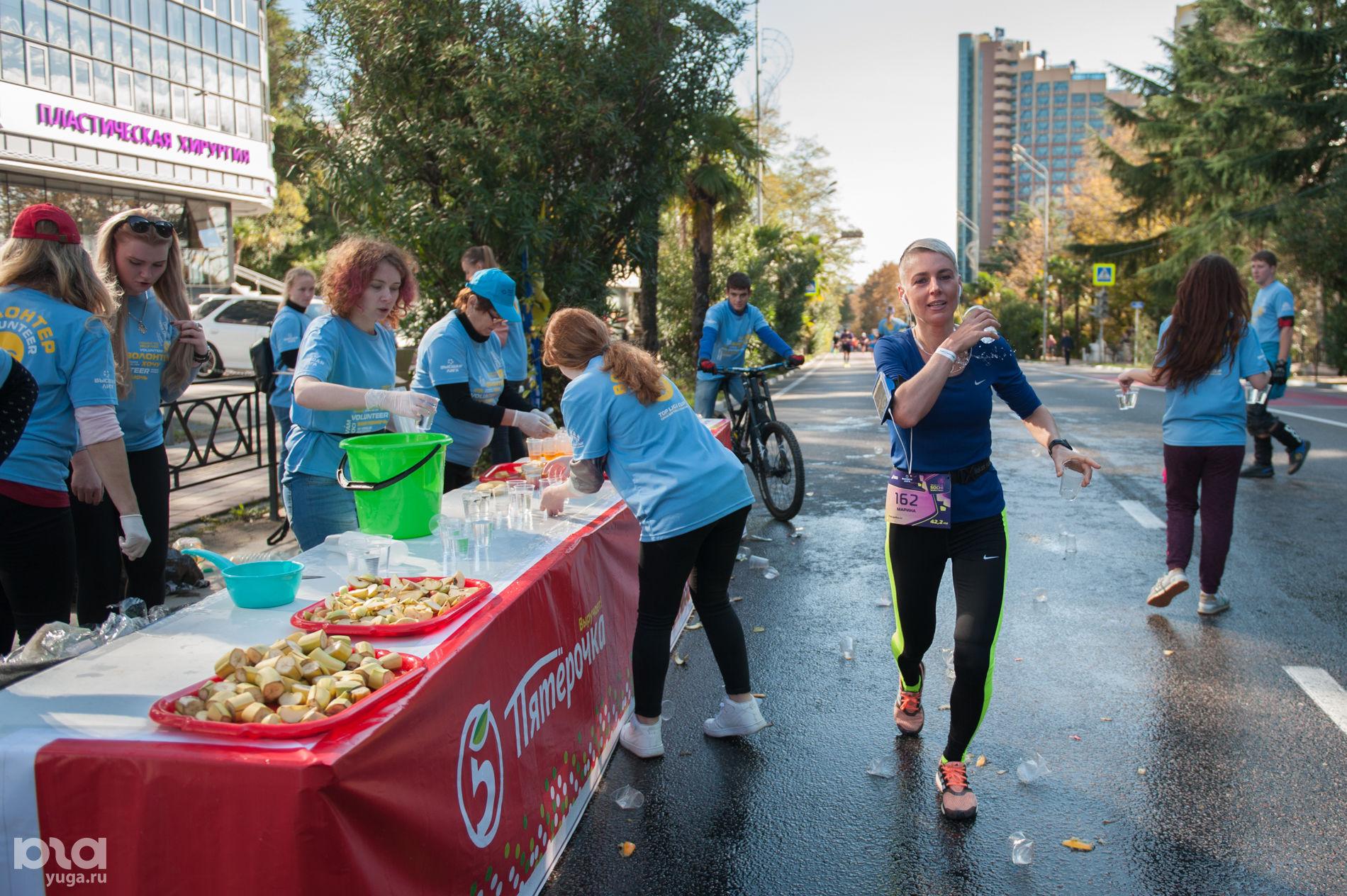 В Сочи прошел первый международный марафон, фото Нины Зотиной ©Фото Юга.ру