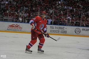 Владимир Путин принял участие в гала-матче Ночной хоккейной лиге в Сочи (май 2014) ©Фото Нины Зотиной, Юга.ру