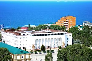 Дом правительства Дагестана ©Фото с сайта wikimedia.org