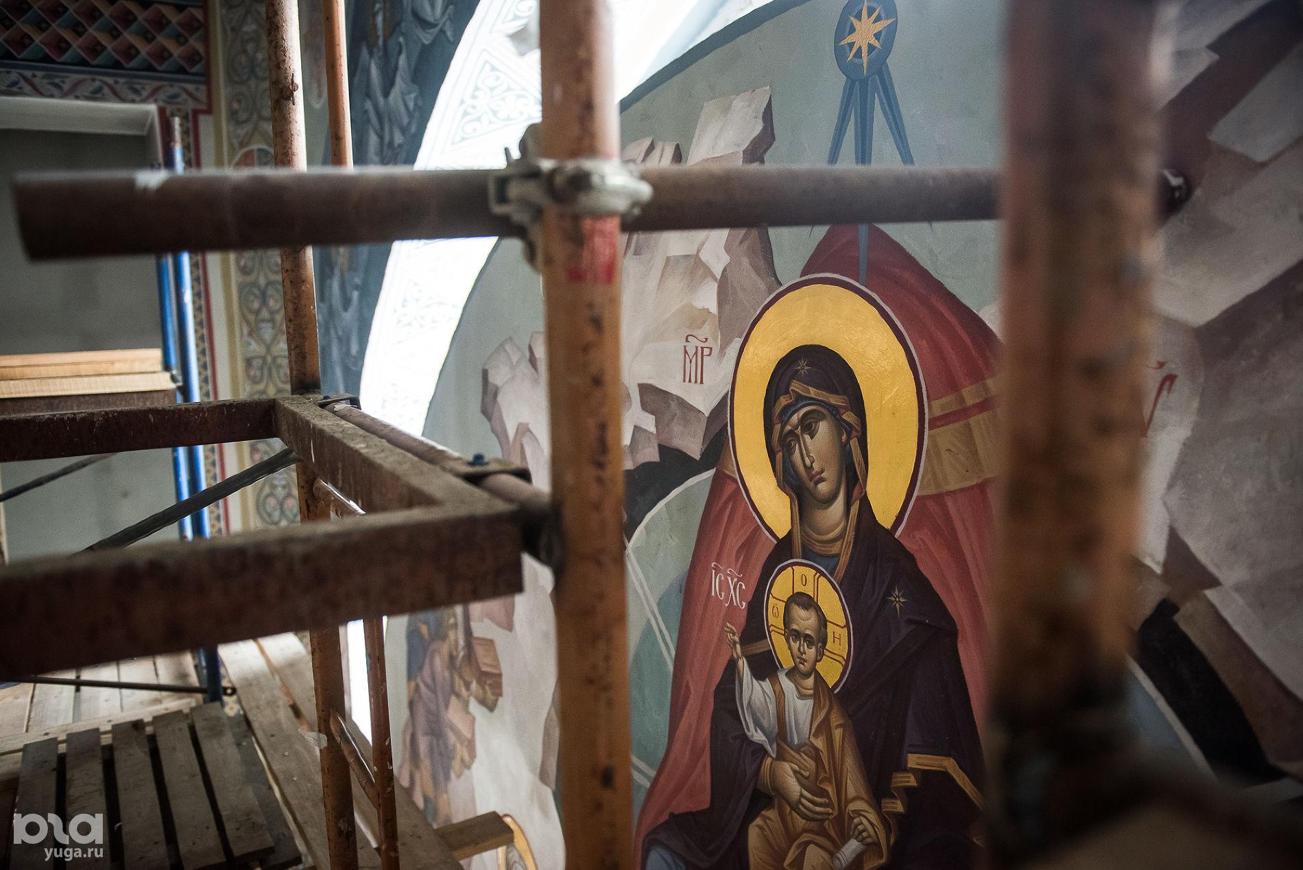 Роспись в Рождественском храме ©Фото Елены Синеок, Юга.ру
