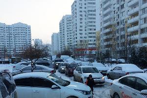 Жилой двор на ул. Байбакова ©Фото Дмитрия Пославского, Юга.ру