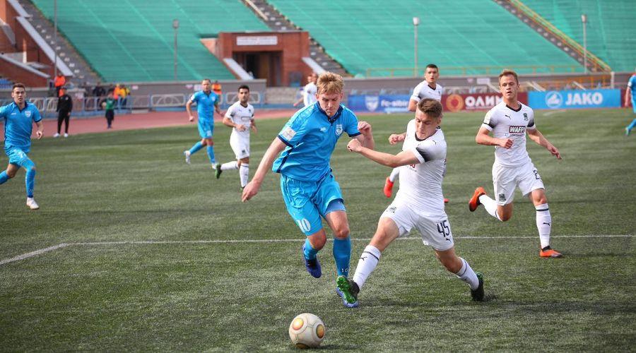 Матч ФНЛ «Сибирь» — «Краснодар-2» ©Фото пресс-службы ФК «Сибирь»