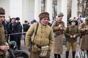 Реконструкция Дня освобождения Краснодара от фашистов ©Фото Елены Синеок, Юга.ру
