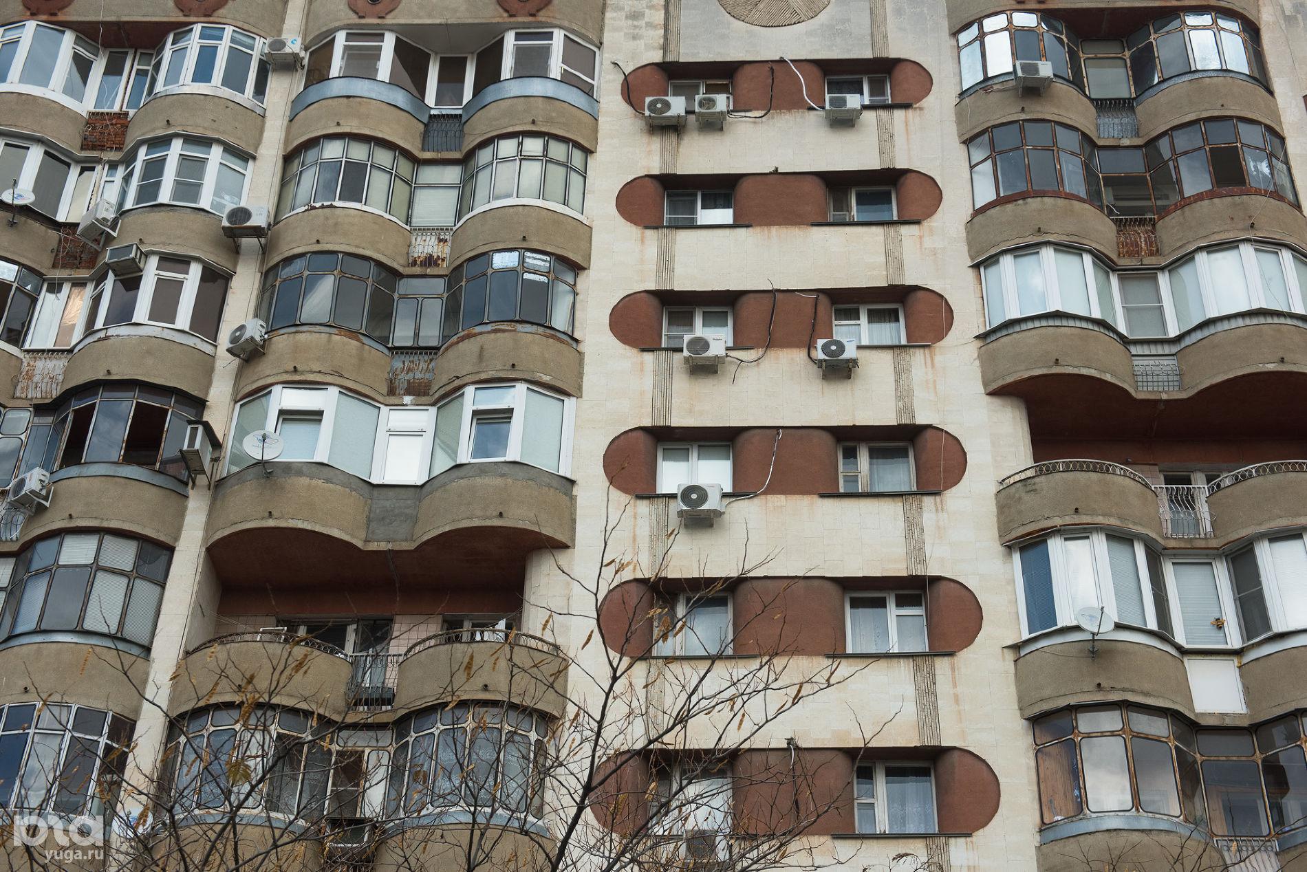 Жилой дом на улице Красной ©Фото Елены Синеок, Юга.ру