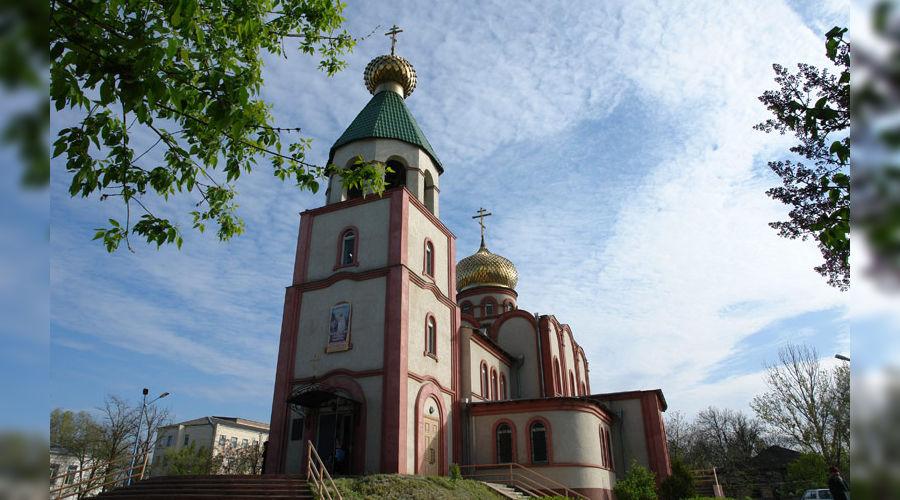 Свято-Георгиевский храм в Кизляре ©Фото с сайта wikimedia.org