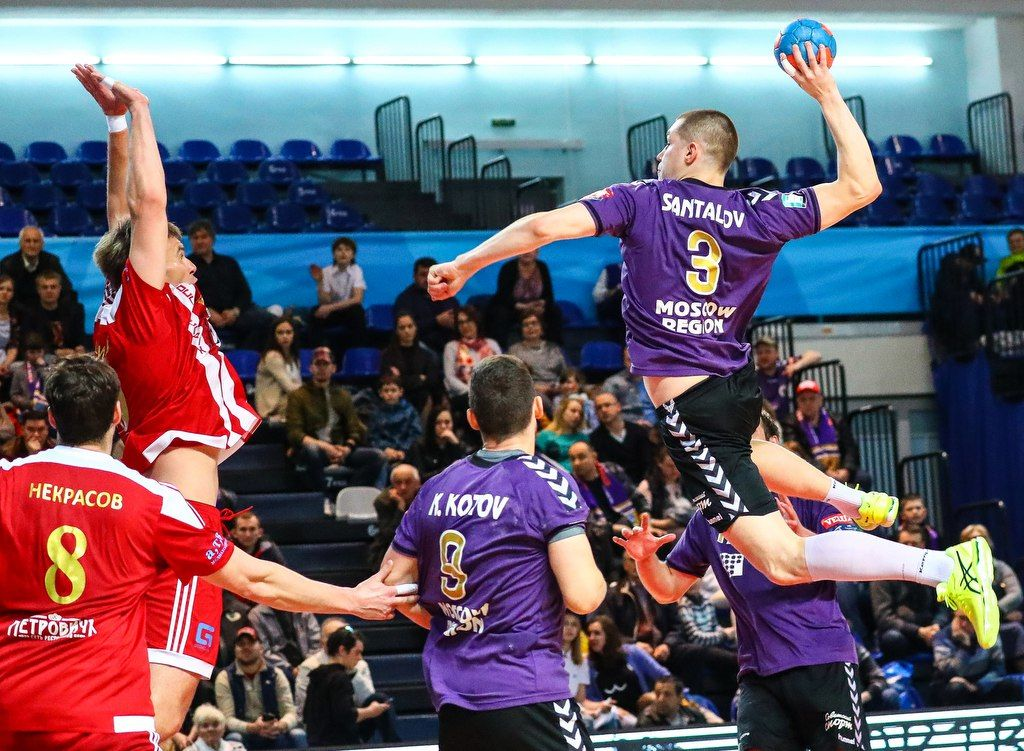 Гандбол. Вфинале Суперлиги— «Чеховские медведи» и«Университет-Нева»
