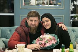 Рамзан Кадыров и его дочь Айшат  ©Фото из телеграм-канала «Kadyrov_95», t.me/RKadyrov_95