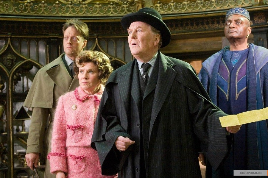 Скриншот изфильма «Гарри Поттер иОрден Феникса», реж. Дэвид Йейтс ©Фото с сайта kinopoisk.ru