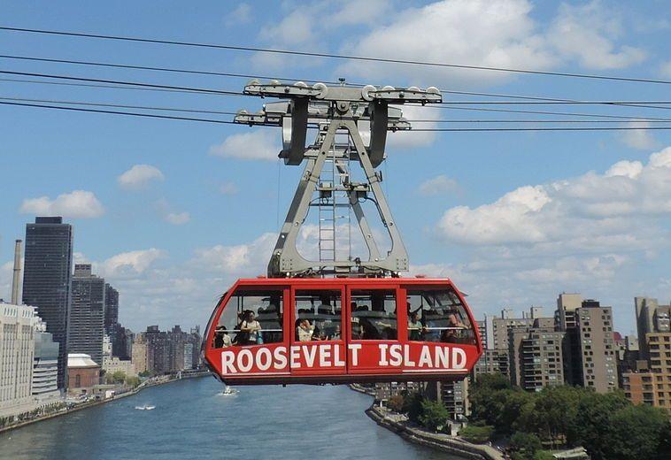 Roosevelt Island Tramway в Нью-Йорке ©Фото с сайта commons.wikimedia.org