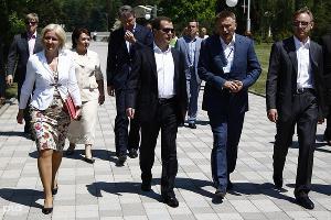 """Дмитрий Медведев стал почетным """"орленком"""" ©Влад Александров, ЮГА.ру"""
