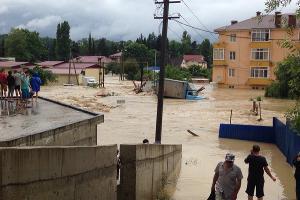 Наводнение в Сочи 25 июня 2015 года. Адлер, ул. Банановая ©http://www.blogsochi.ru