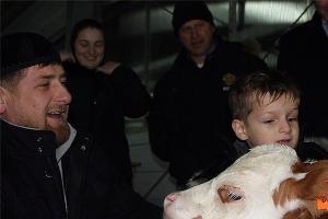 Рамзан Кадыров и другой теленок ©http://instagram.com/alihan777/