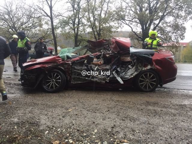 ВКрымском районе Мазда въехала вКАМАЗ, один человек умер