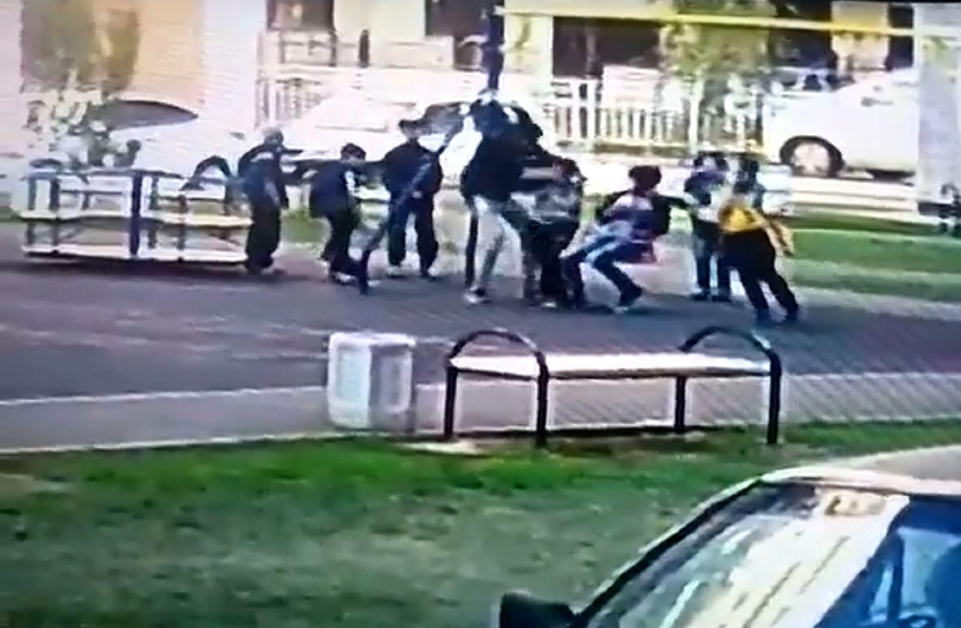 ВКраснодаре надетской площадке мужчина избил ребенка