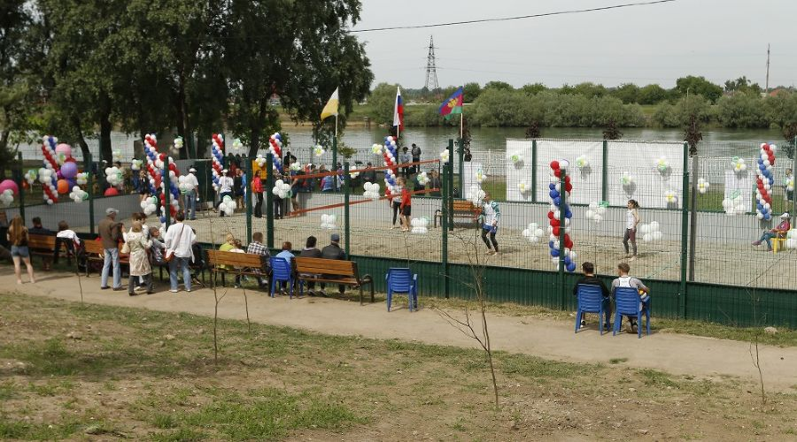 Площадка для пляжного волейбола в Юбилейном микрорайоне Краснодара ©Фото пресс-службы администрации Краснодара