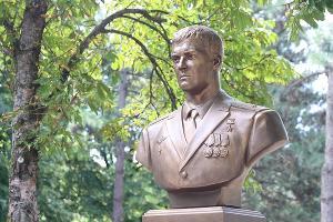 Памятник Герою России Евгению Филипову в Краснодаре ©Фото пресс-службы администрации Краснодара