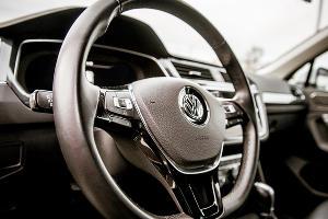Volkswagen Tiguan. Наш «боевой конь» в этой поездке ©Фото Елены Синеок, Юга.ру