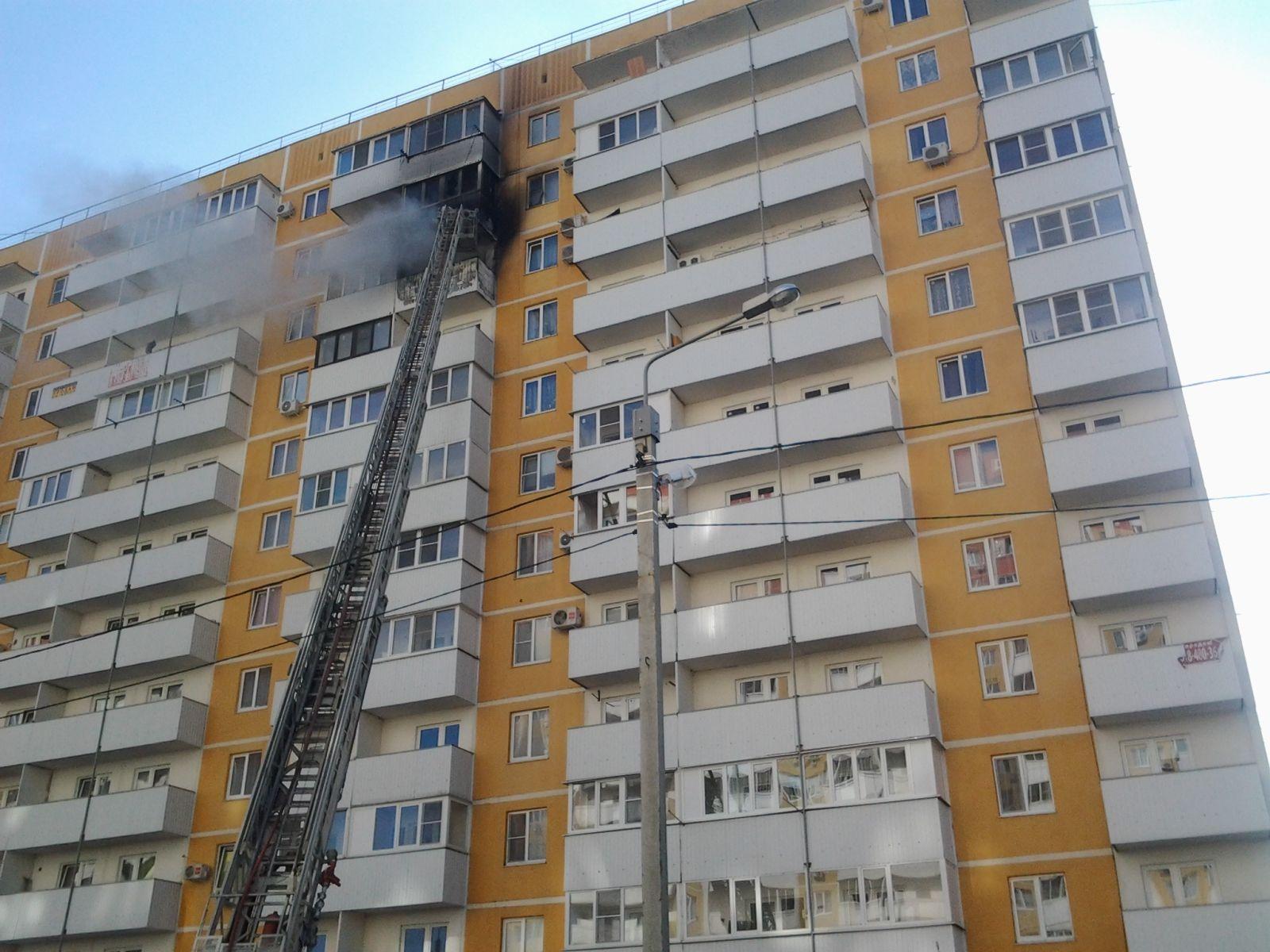 Пожарные локализовали возгорание в 12-этажном доме в краснод.