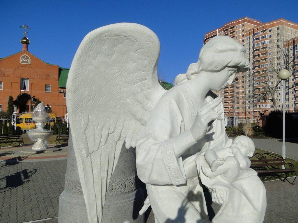Памятник с ангелом Туапсе Мемориальный комплекс с барельефом в человеческий рост Нерехта