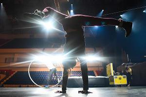 Репетиция Cirque Éloize в Краснодаре ©Елена Синеок, ЮГА.ру