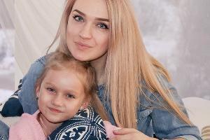 Екатерина Синебрюкова с дочкой Викторией  ©Фото предоставлено Екатериной Синебрюковой