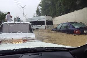 Наводнение в Сочи 25 июня 2015 года. Адлер, район ж/д вокзала ©http://www.blogsochi.ru