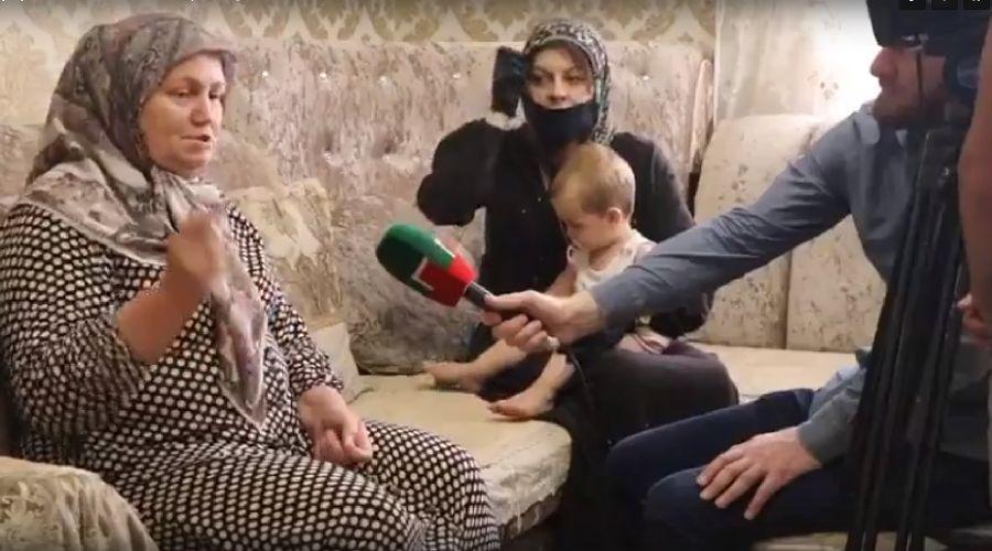 Хутмат Давлетмирзаева, мать Мадины Умаевой ©Скриншот видео, vk.com/kpstav