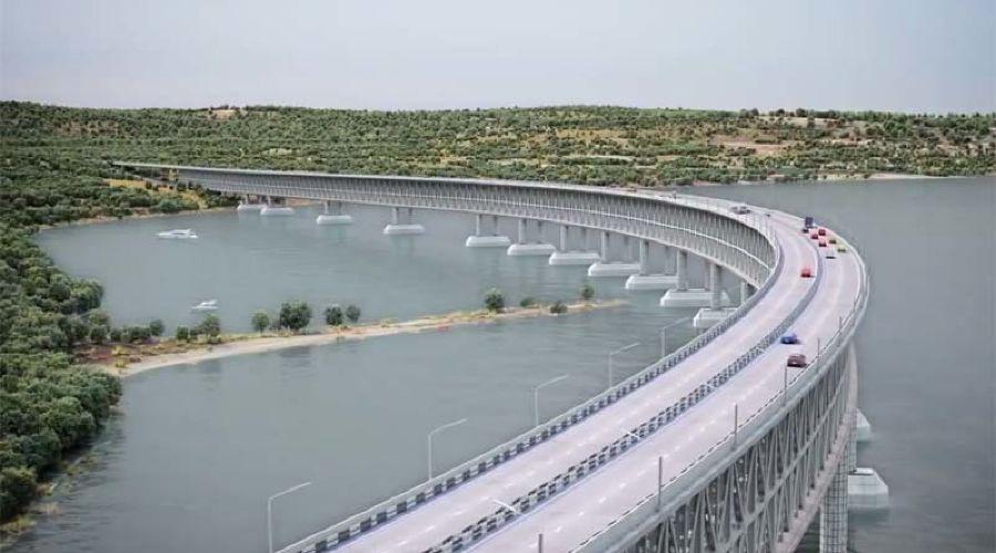 Макет моста через Керченский пролив ©Скриншот из видео