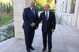 Александр Лукашенко и Владимир Путин  ©Фото пресс-службы Кремля