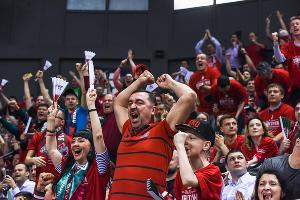 «Локомотив-Кубань» проиграл «Дарюшшафаке» в пером финальном поединке ©Фото Елены Синеок, Юга.ру