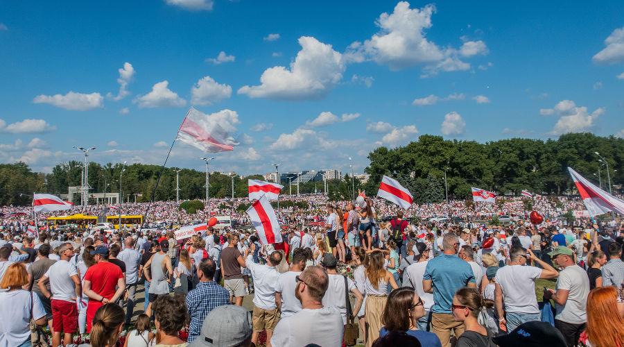 Протестный митинг против Лукашенко 16 августа 2020 года. Минск, Беларусь ©Фото Homoatrox, wkipedia.org