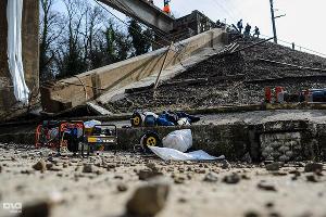 Обрушение железнодорожного моста в Сочи ©Нина Зотина