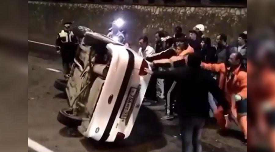 ВСочи машина опрокинулась после ДТП