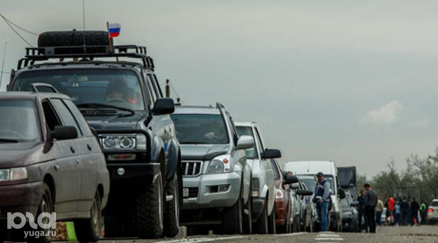 Пробка на подъезде к порту Кавказ ©Николай Ильин, ЮГА.ру