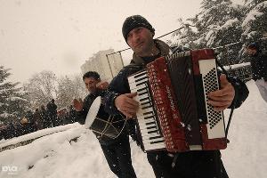 2011 год в фотографиях. Точка Джиоевой, фотохроника революции в Южной Осетии ©http://www.yuga.ru/photo/1031.html
