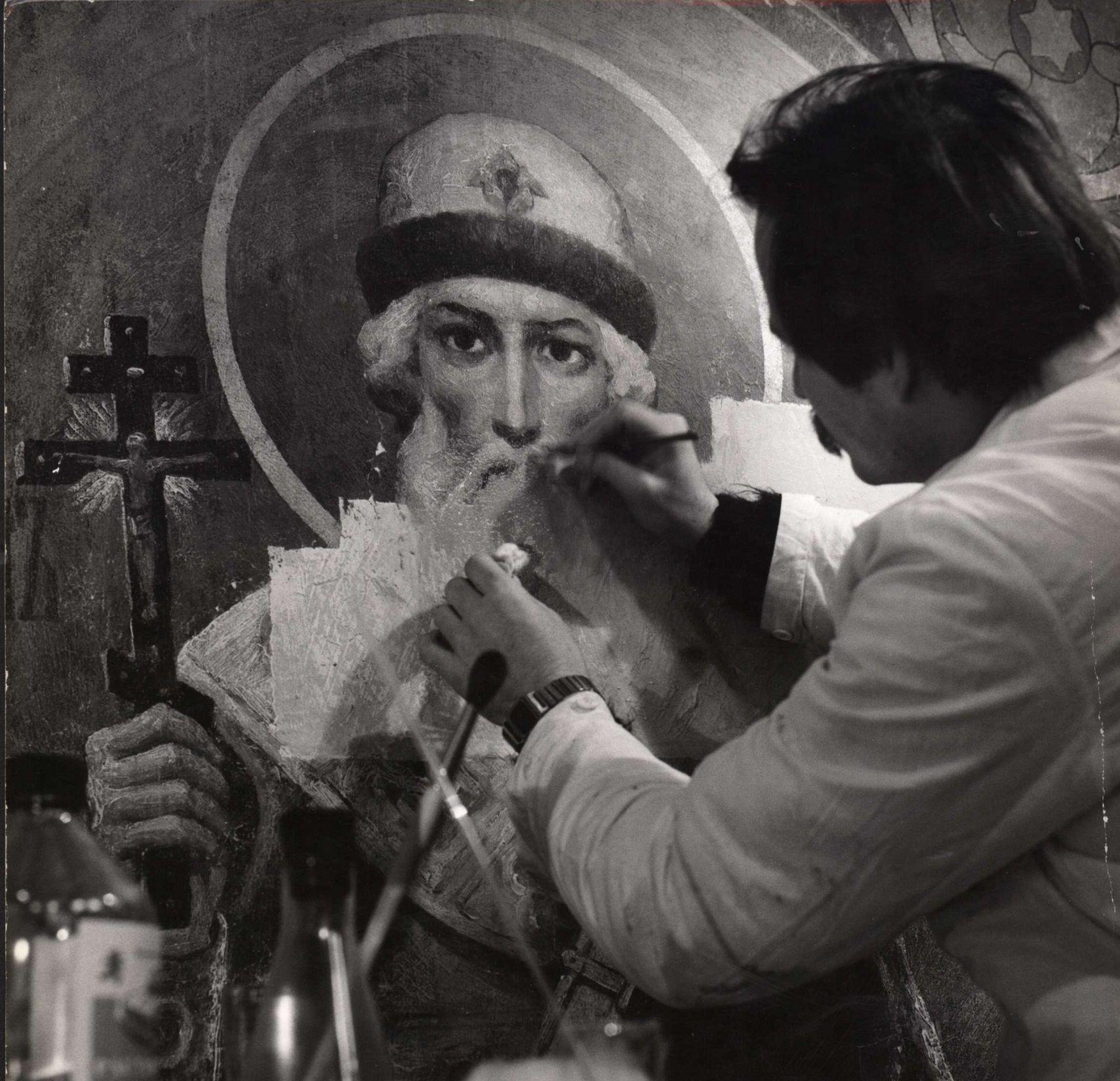 Роставратор Асеев за работой ©Фото из личного архива Валерия Кулеша