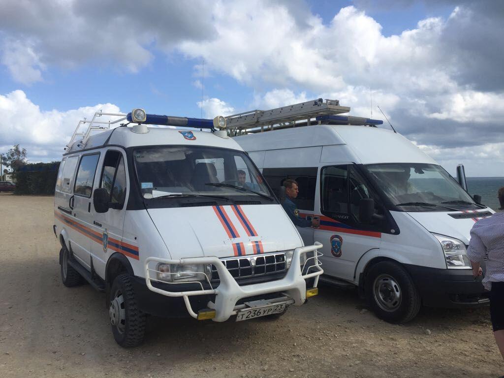 ВДТП наКубани выжили выпрыгнувшие изавтобуса находу— Спасатель