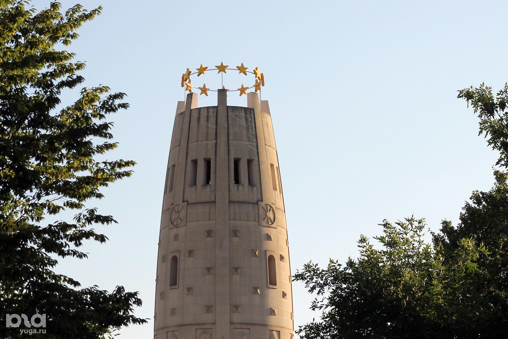 Монумент «Единение и Согласие» ©Фото Дмитрия Пославского, Юга.ру